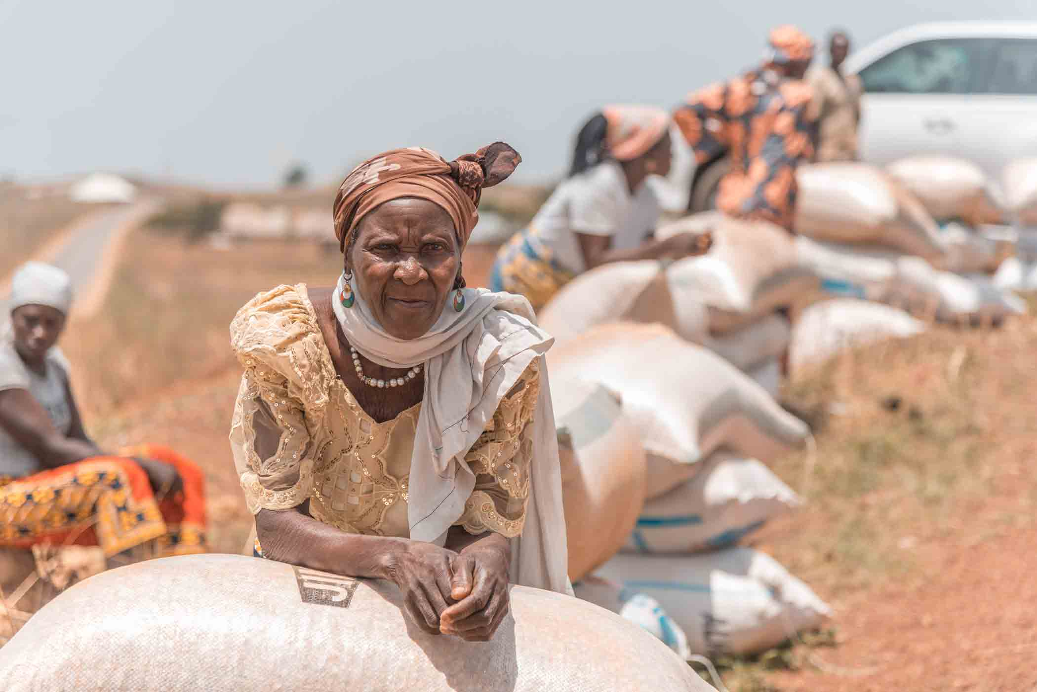 This woman in northern Nigeria received food aid at a VOM distribution.