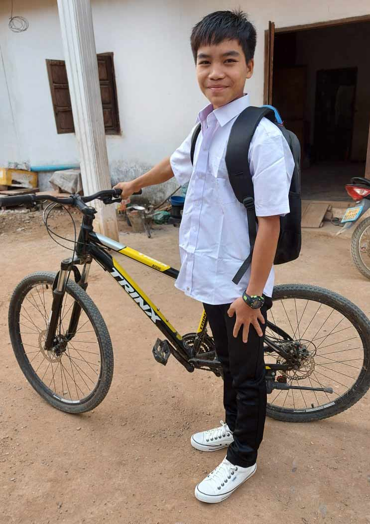 Seng will commute to school by bicycle.