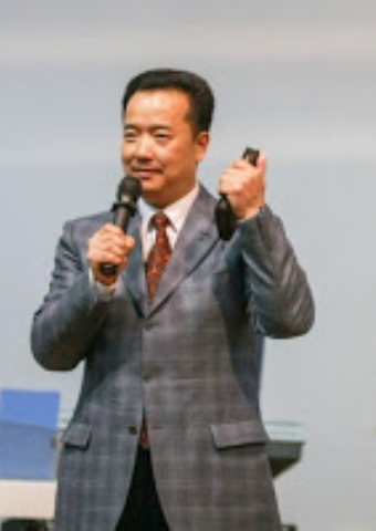 Pastor Joseph Gu openly disagreed with China's policy to remove crosses from church buildings.  (ChinaAid photo)